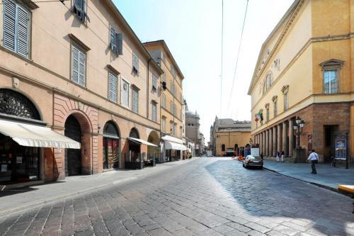 V.Garibaldi-Teatro